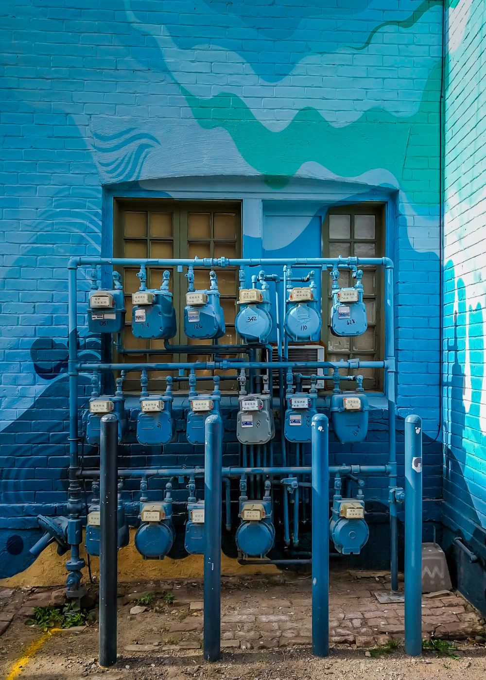 Graphic gas meters.