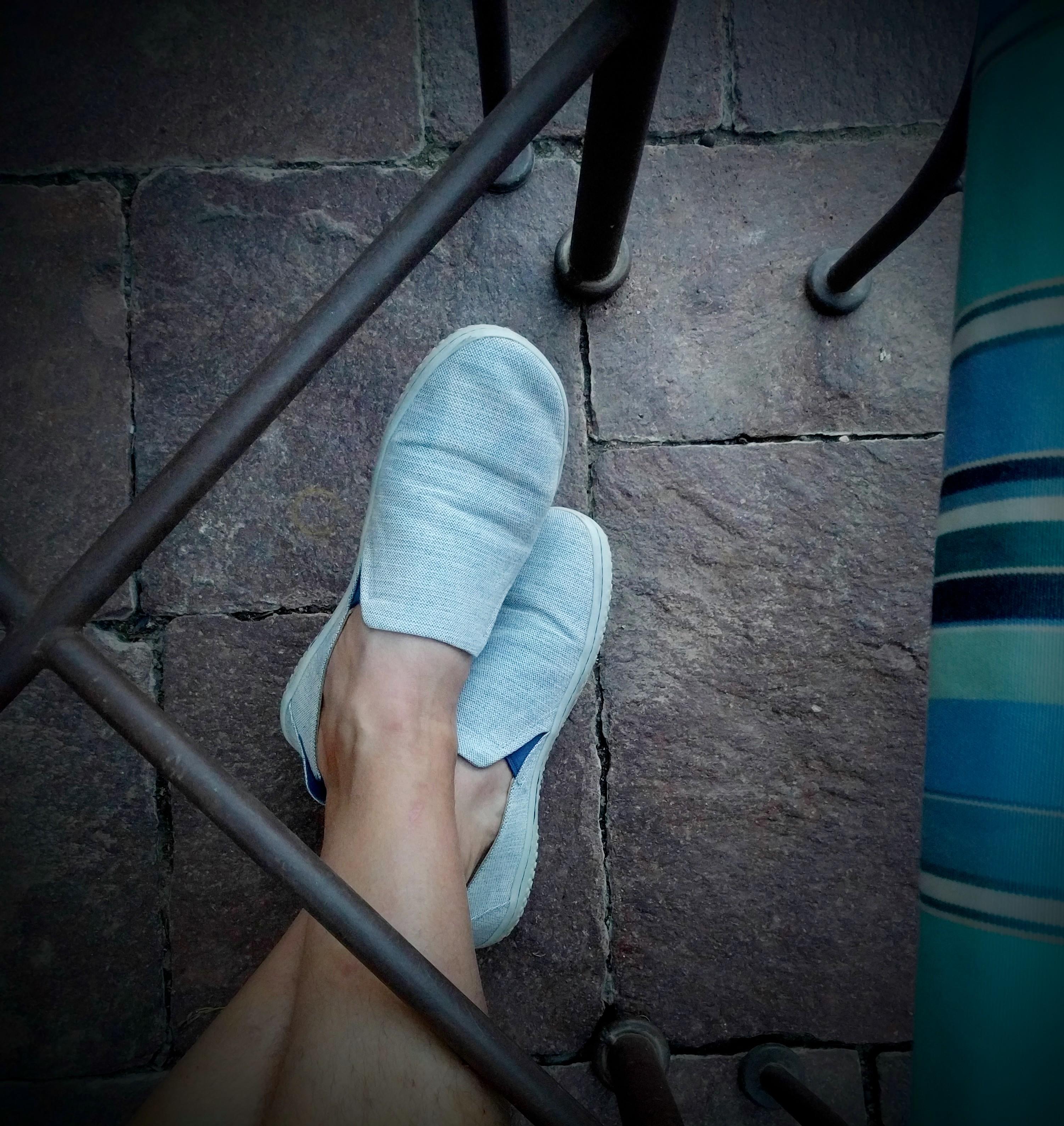 vivobarefoot mata canvas in blue